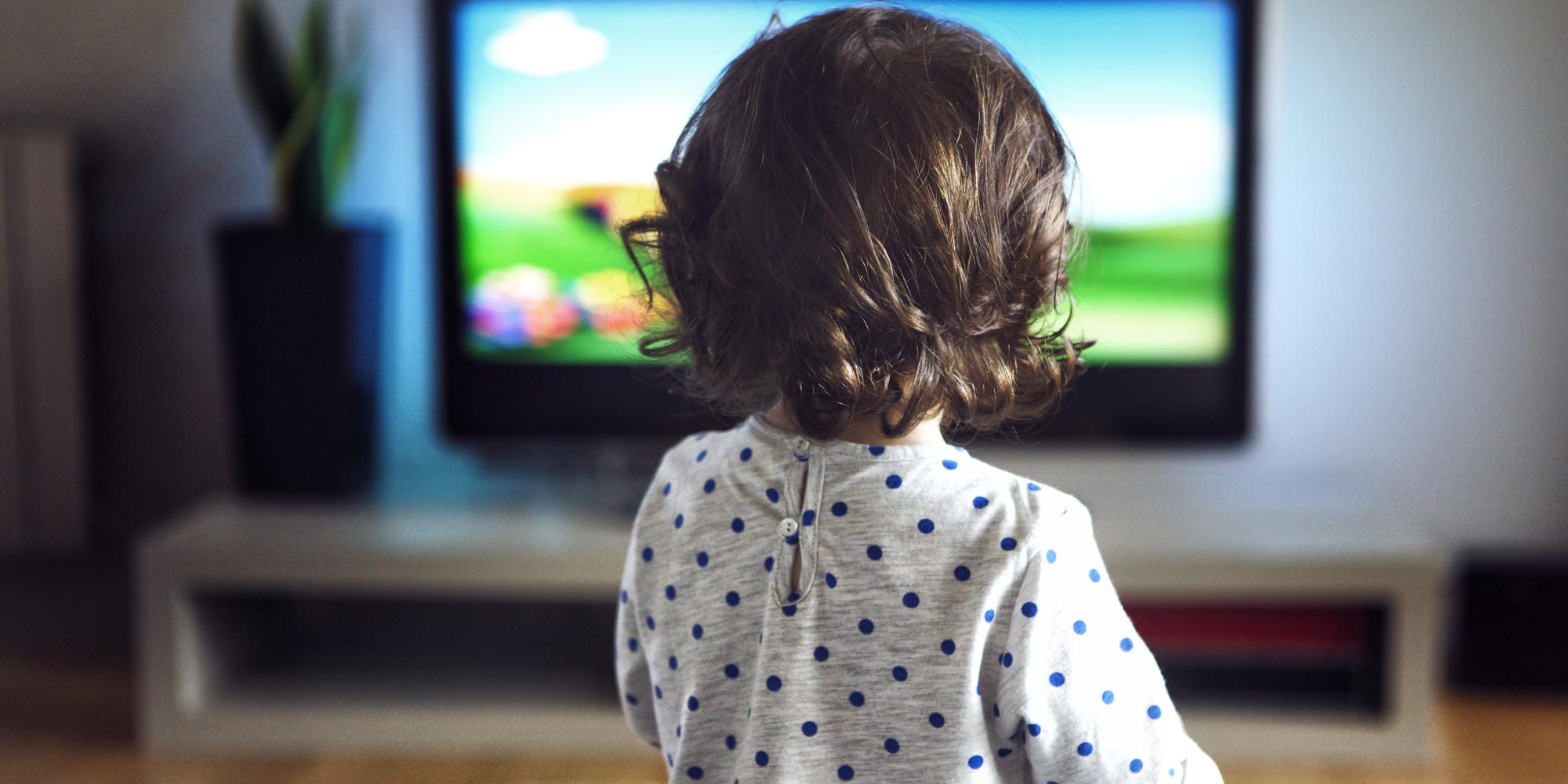 с какого возраста грудничку можно смотреть телевизор
